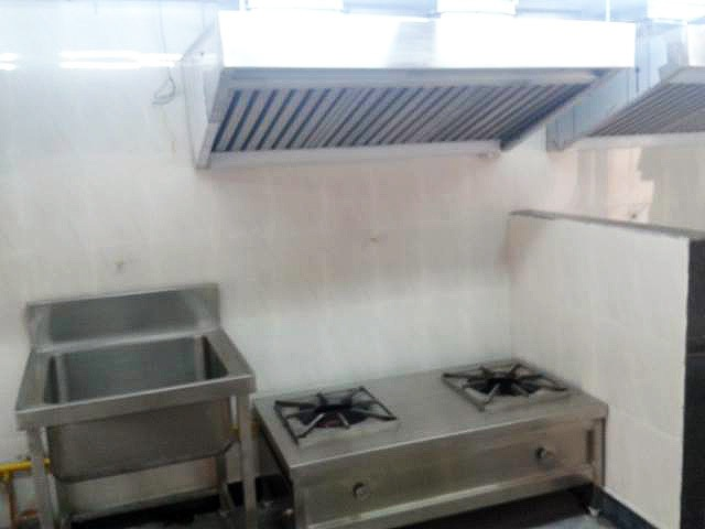 Multiple Burner Chimeny and Single Tub Sink