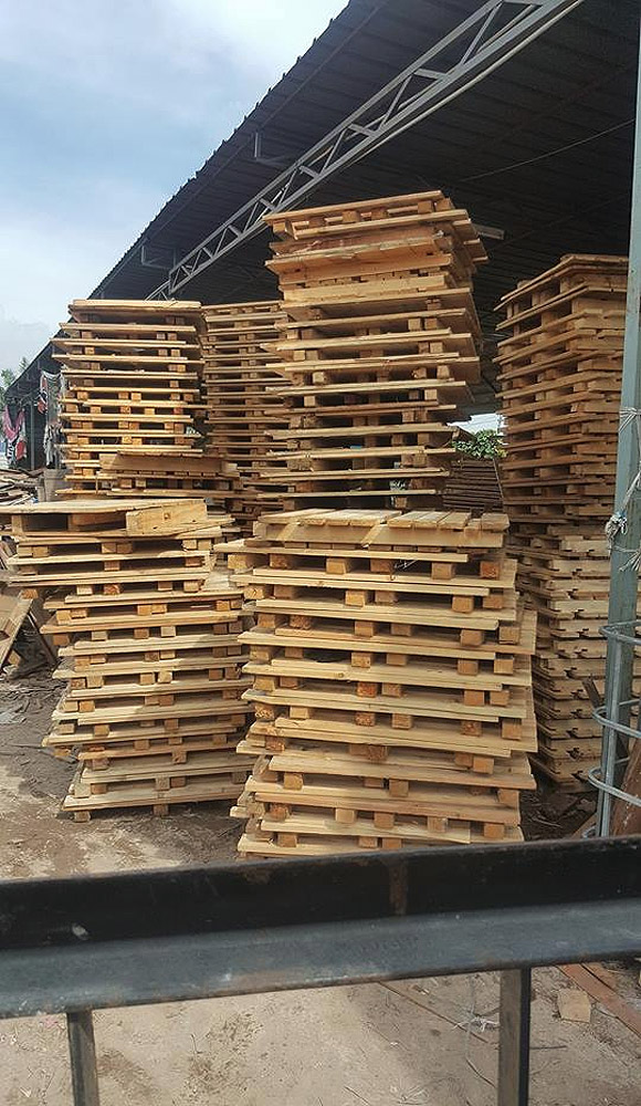 Wooden Pallets for delivery