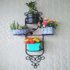 Wall-Hanging-Planters