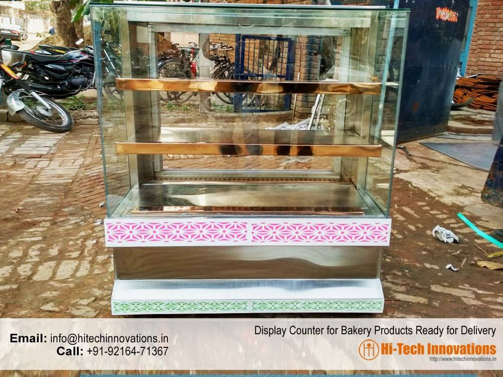 Display Counter for Bakery Products Ready for Delivery